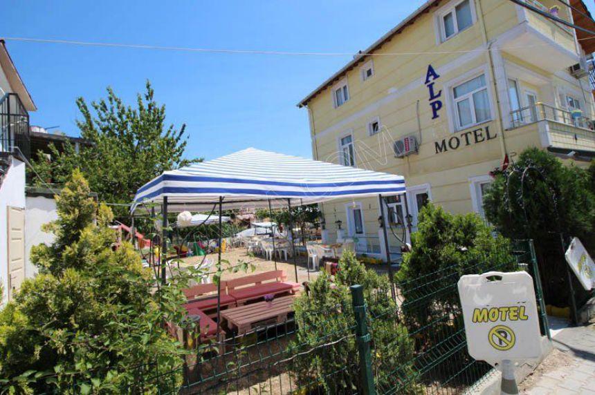 Alp Motel