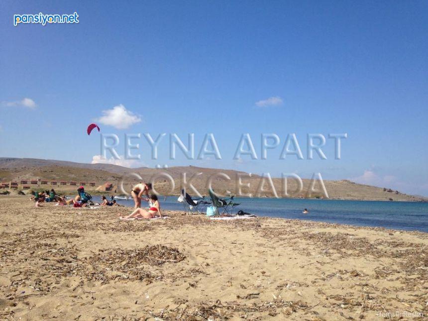 Reyna Apart
