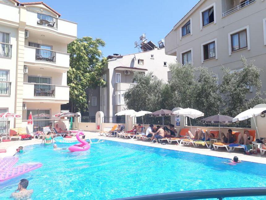 Club Karakaş Apart Otel